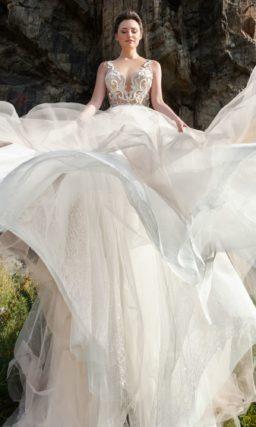 Пудровое платье А-силуэта с  необычным декором