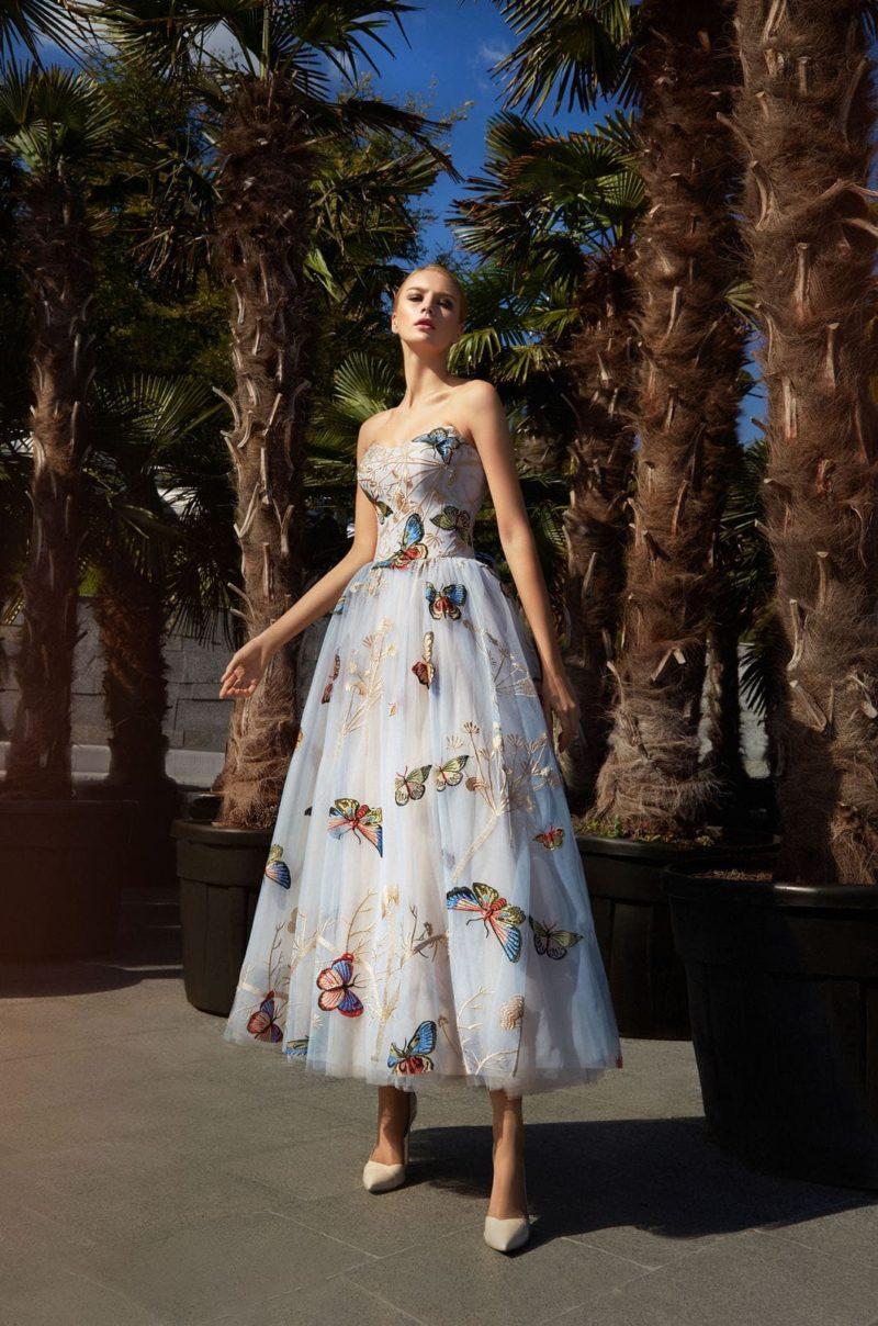 вечернее платье-бюстье с пышной юбкой