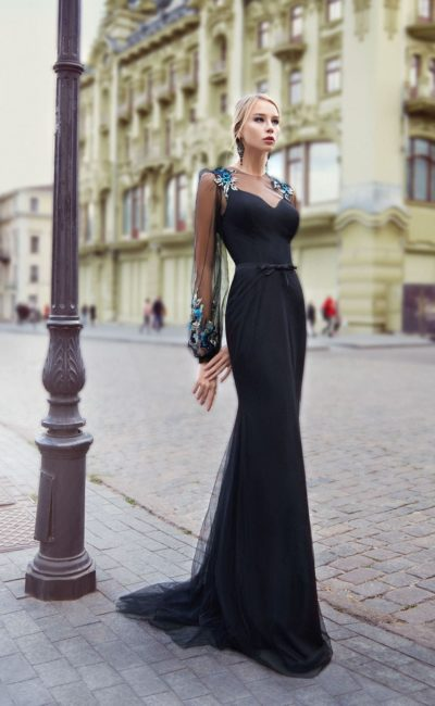 Платье длинное цвет черный