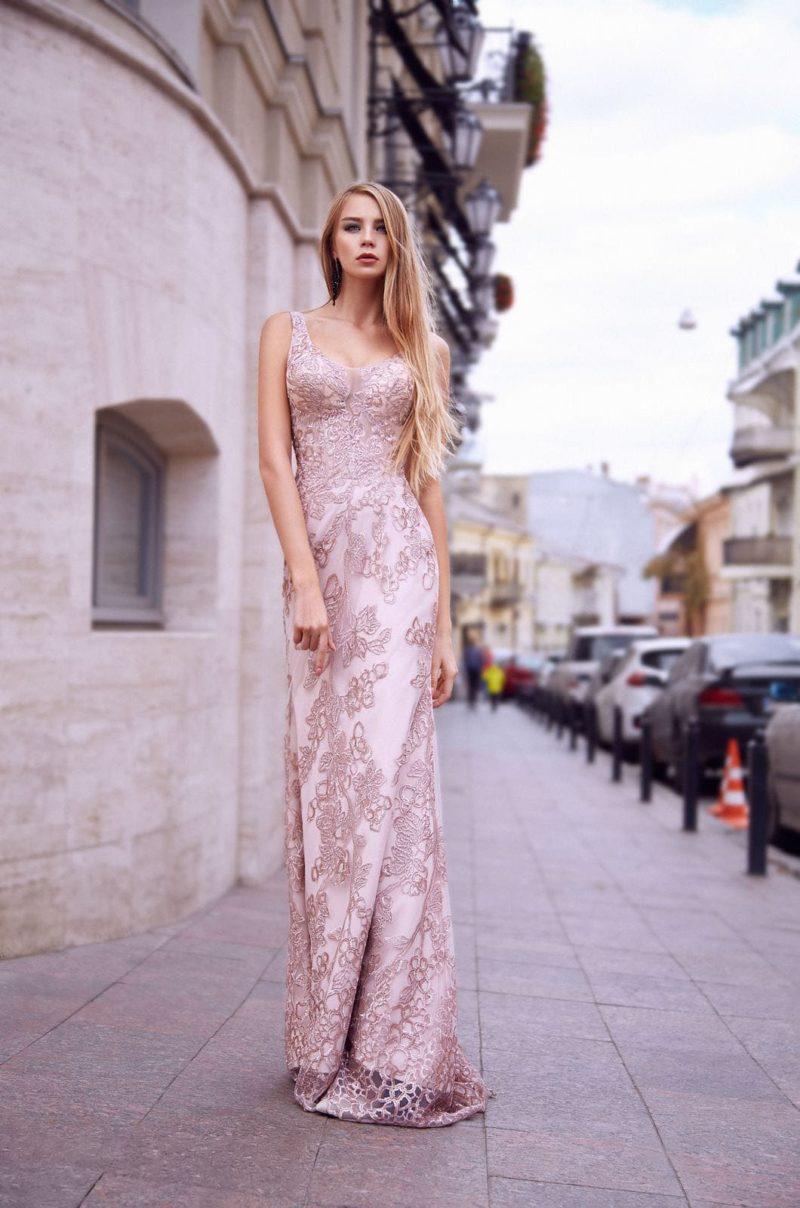 вечернее платье в пол пудрово-розового цвета
