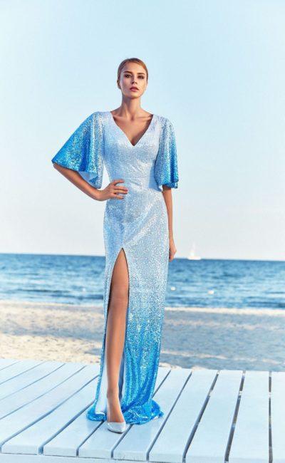 Блестящее голубое платье