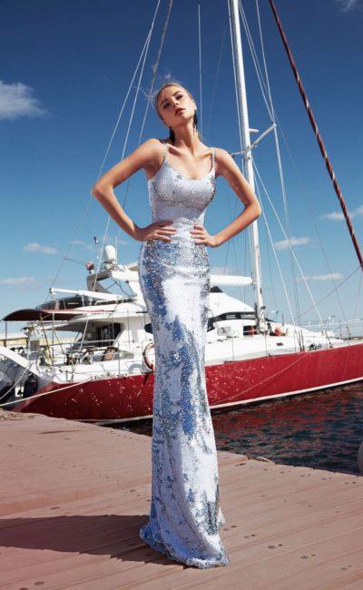 Блестящее обтягивающее платье