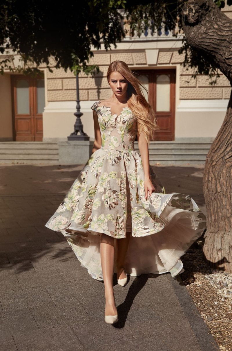 Асимметричное вечернее платье-mullet