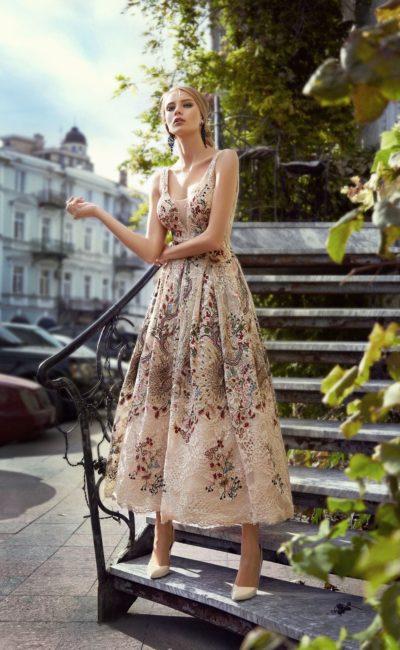 Платье миди длины