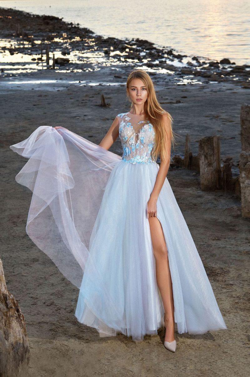 Нежное вечернее платье с корсетом