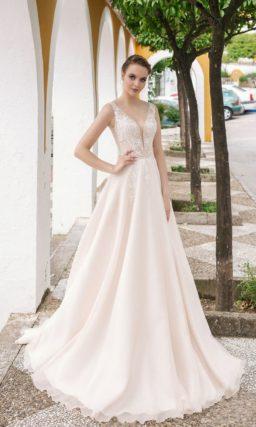 свадебное платье цвета айвори без рукавов