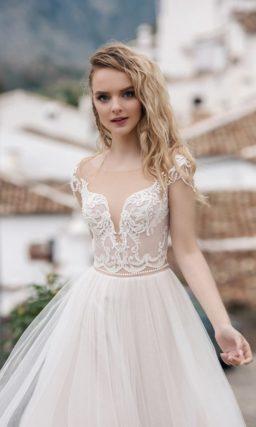 свадебное платье с прелестным корсетом
