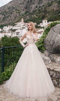Бежевое свадебное платье с декором из вышивки