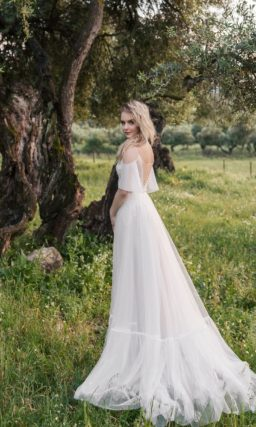 Романтическое свадебное платье с нежным корсетом
