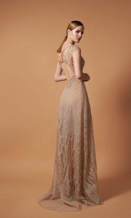 Вечернее платье в пол со свободной юбкой