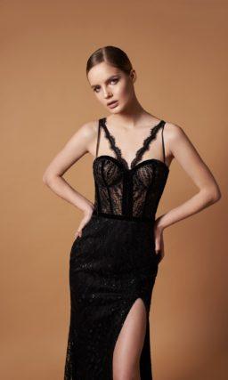 Кружевное вечернее платье черного цвета