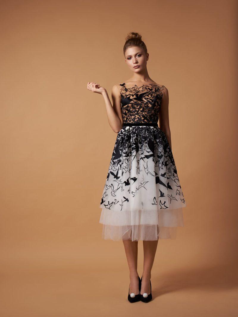 Коктейльное платье с оригинальным рисунком