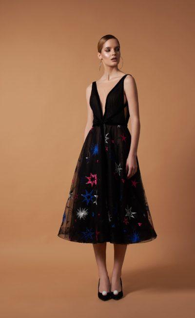 Черное коктейльное платье с рисунком