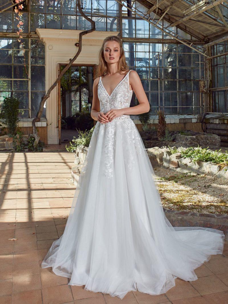 Невесомое платье А-силуэта