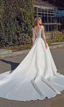 Свадебное платье с длинными прозрачными рукавами