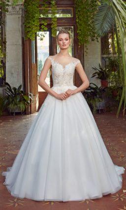 Традиционное платье силуэта «принцесса»