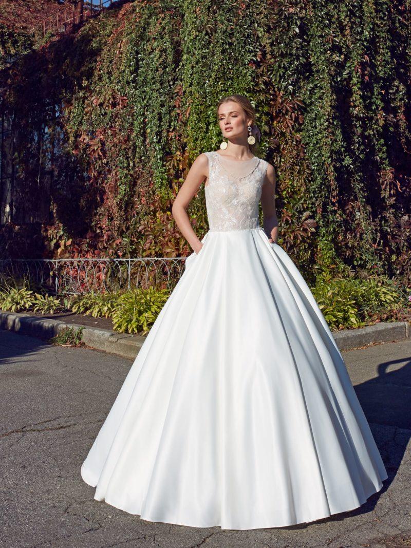Классическая модель  платья А-силуэта