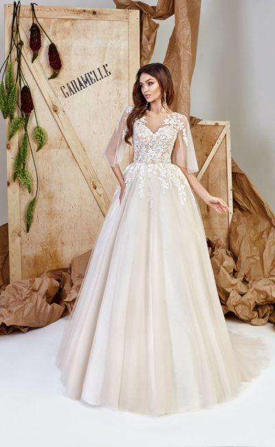 пышное платье кремового оттенка