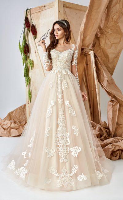 Платье кремового оттенка