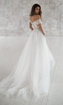 Летнее платье с кружевом