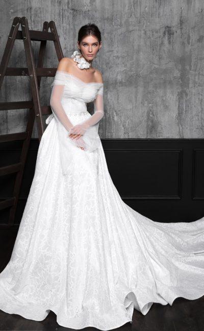 Свадебное платье с элегантным верхом