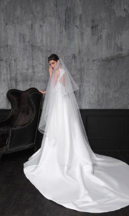 Минималистичное свадебное платье-трансформер