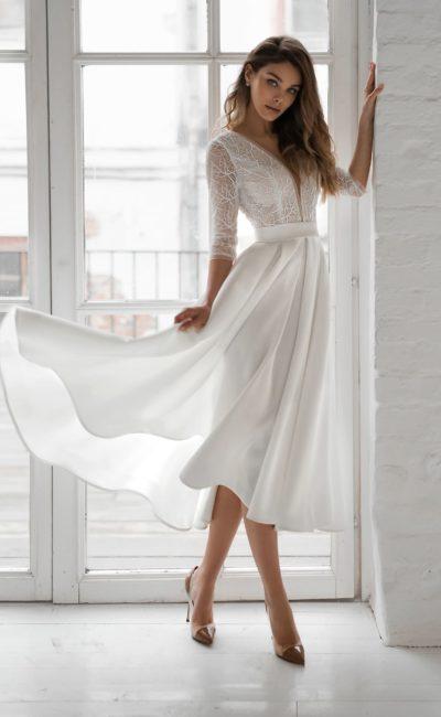 Короткое красивое белое платье