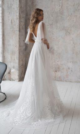 Изысканное свадебное платье из фатина