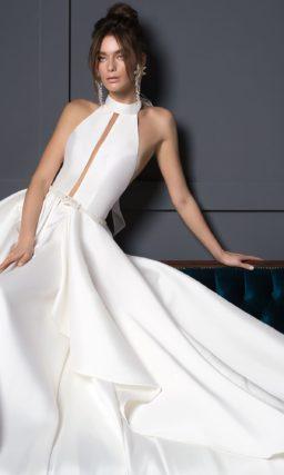 Утонченное свадебное платье в стиле минимализм