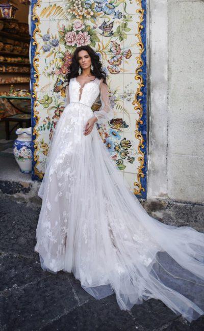 Платье свадебное с прозрачным рукавом