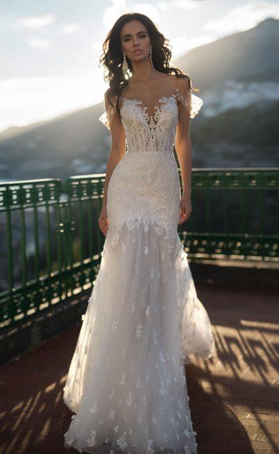 Открытое платье с кружевом