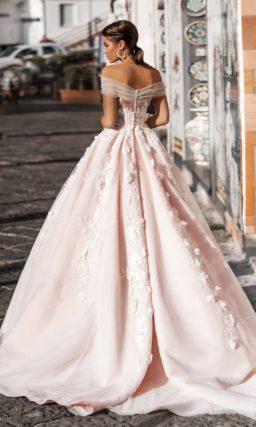 свадебное платье А-силуэта нежного оттенка розовой пудры