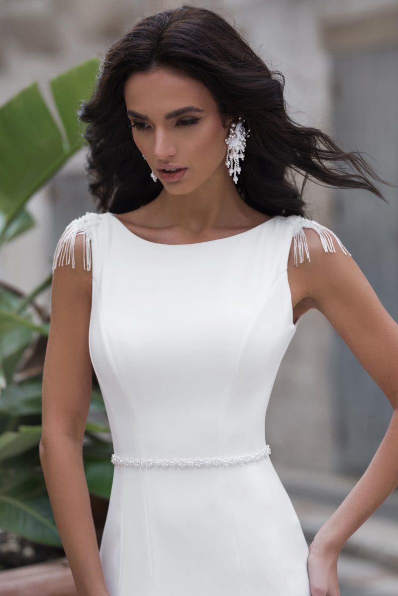 свадебное платье силуэта «русалка» в стиле минимализм