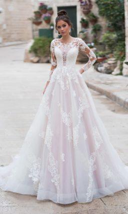 Свадебное платье силуэта «принцесса» с длинными рукавами