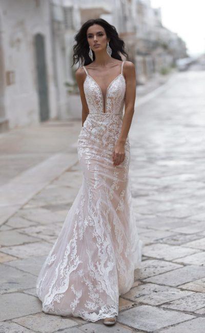 Открытое свадебное платье-русалка