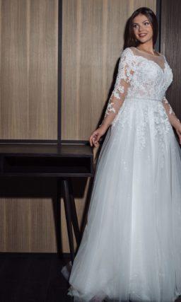 Свадебное платье с мерцающей юбкой