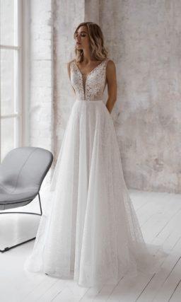 Романтичное свадебное платье с корсажем