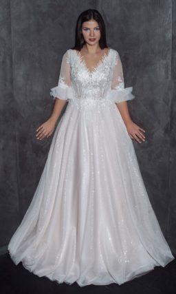 платье с пышной юбкой и открытой спиной