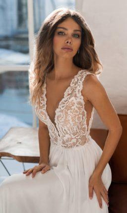 свадебное платье с шелковой юбкой
