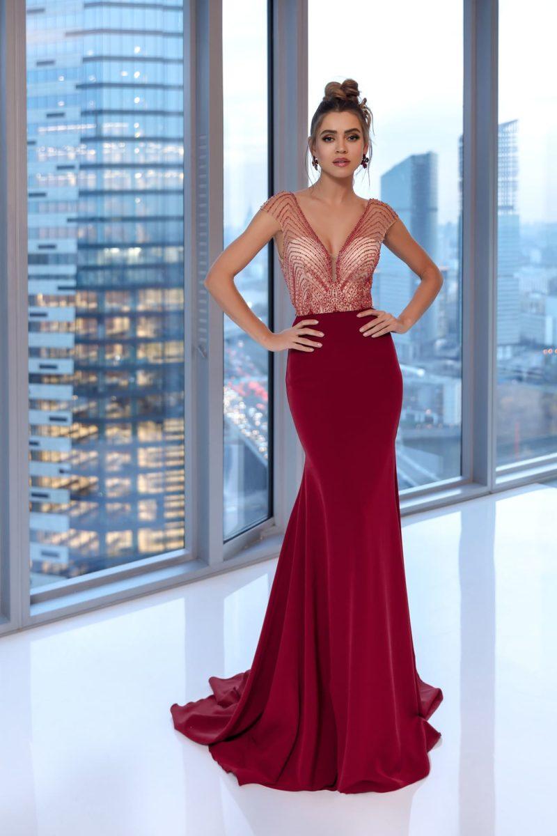 Платье-русалка с юбкой в пол