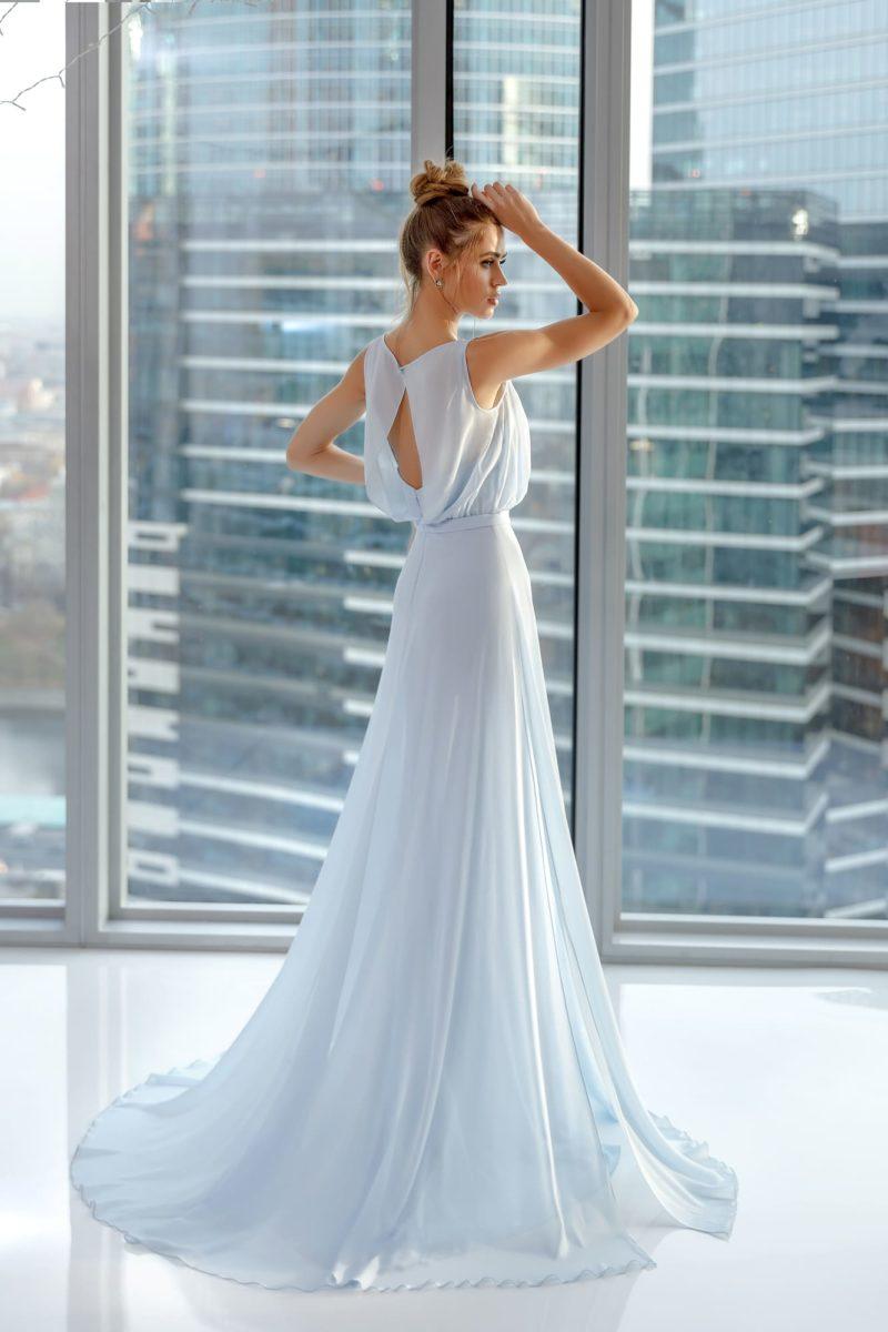 Легкое вечернее платье в пол нежно-голубого оттенка