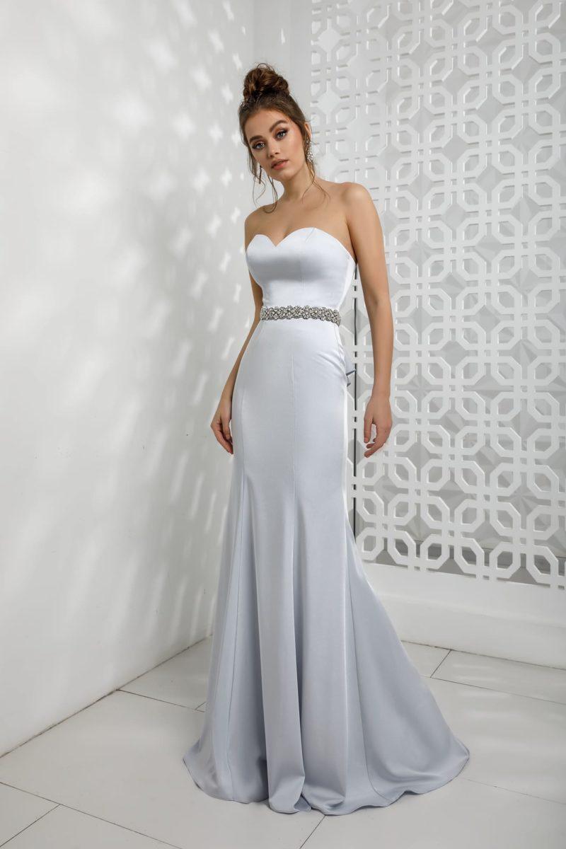 Вечернее платье-бюстье силуэта «русалка»