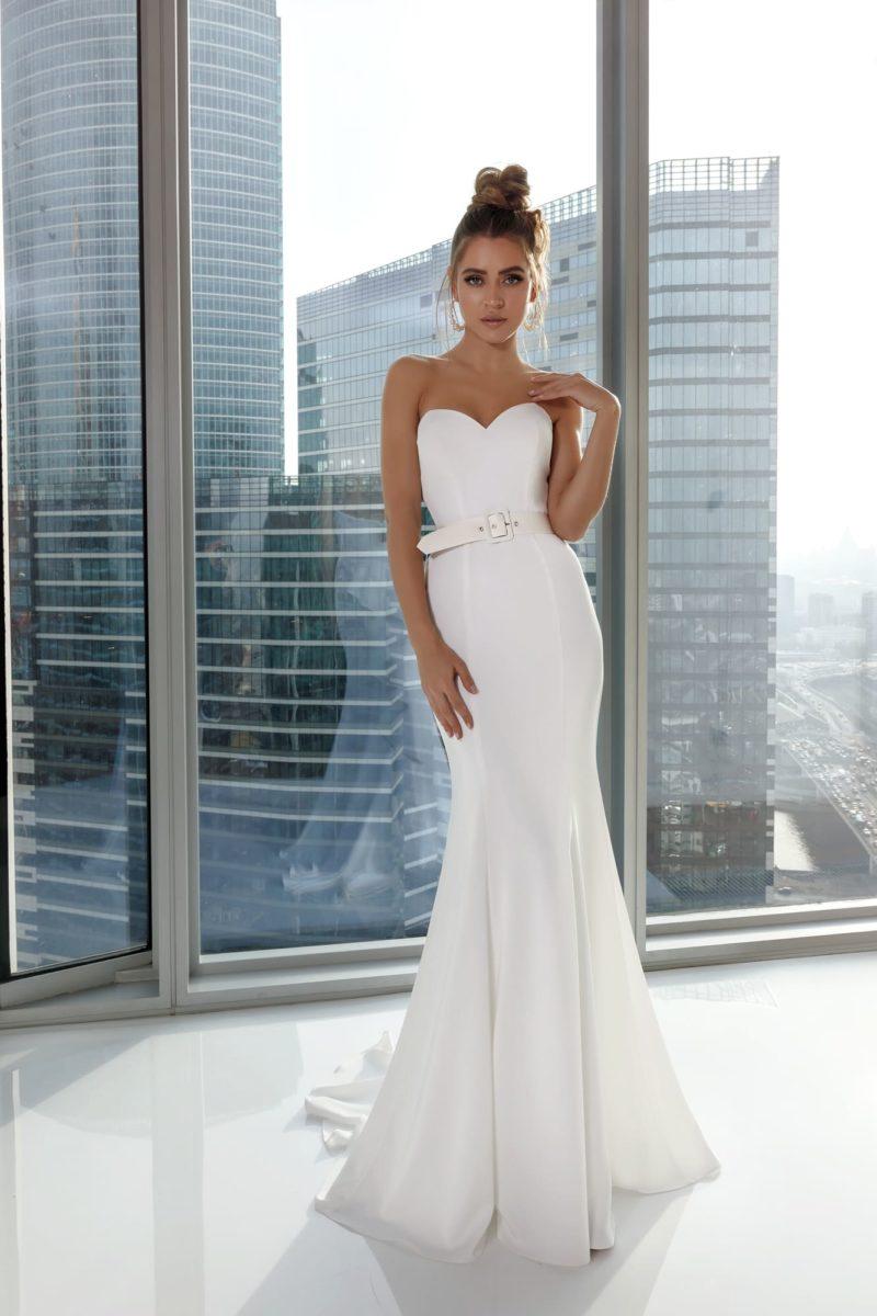 Элегантное вечернее платье в пол силуэта «русалка»