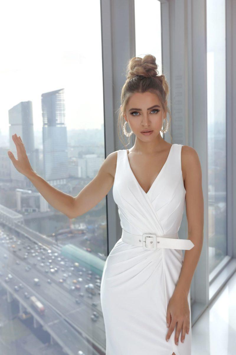 Вечернее платье годе цвета айвори