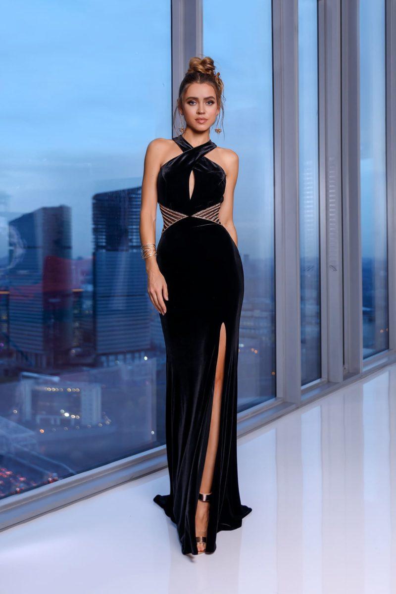 Длинное вечернее платье прямого кроя