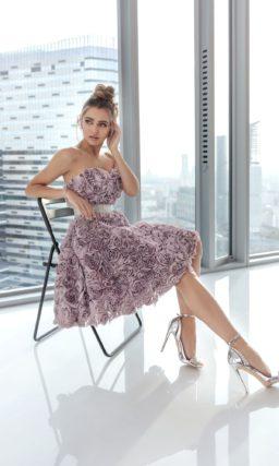 Короткое коктейльное платье с пышной юбкой