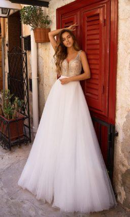 вечернее платье с шифоновой юбкой в пол