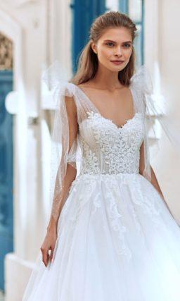 Летнее свадебное платье с пышной юбкой