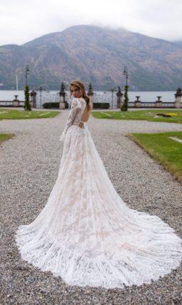 Пышное свадебное платье из пудрового кружева