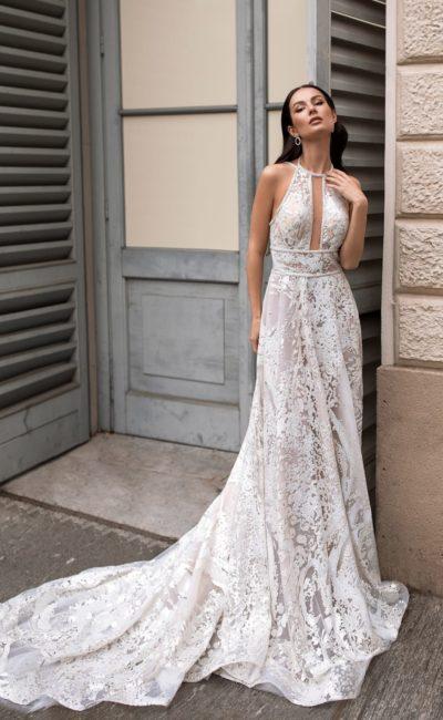 Свадебное платье из серо-голубой ткани
